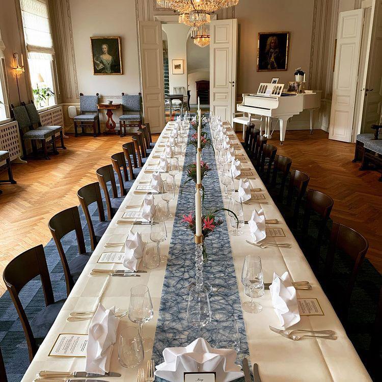 Dukat bord på Länsresidenset